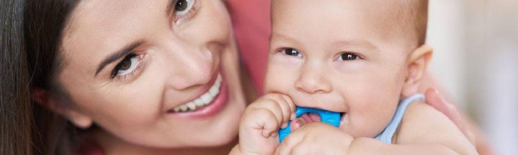 Cómo calmar a tu bebé cuando le salen los dientes