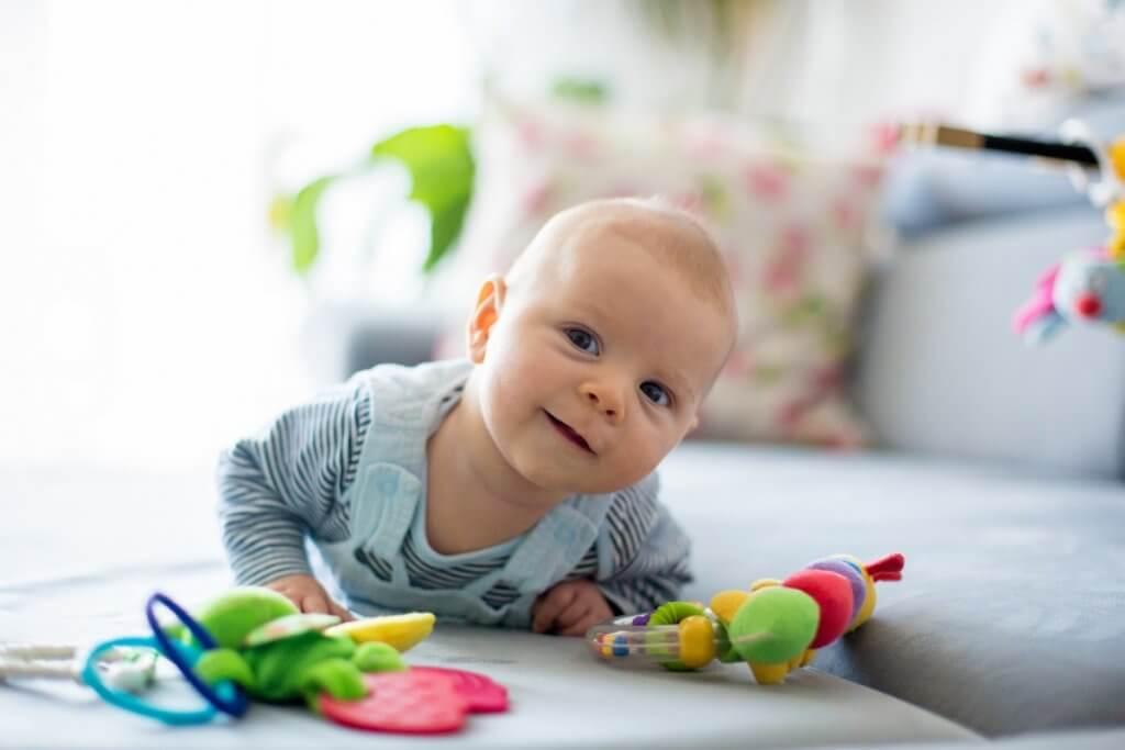Ejercicios de estimulación temprana para bebés de 0-12 meses