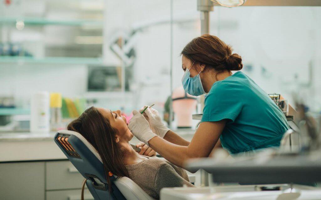 Las 7 ventajas de un seguro dental familiar